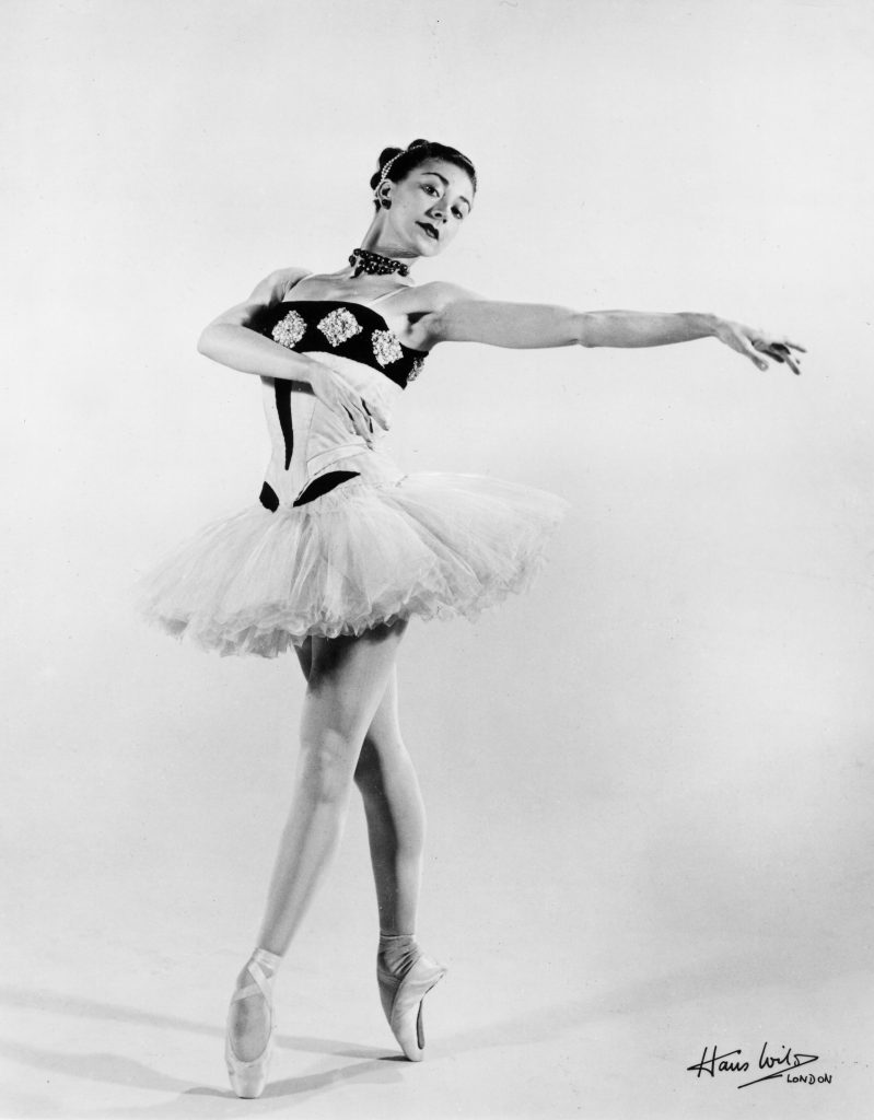 Margot Fonteyn in the Sadler's Wells Ballet production of 'Scèn